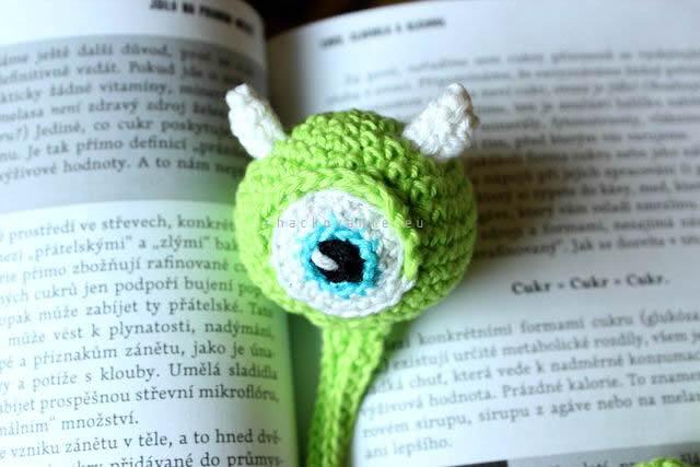 hackovana zalozka do knihy