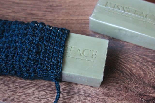 hackovane puzdro na mydlo