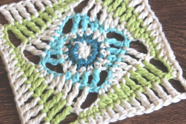 twist granny square