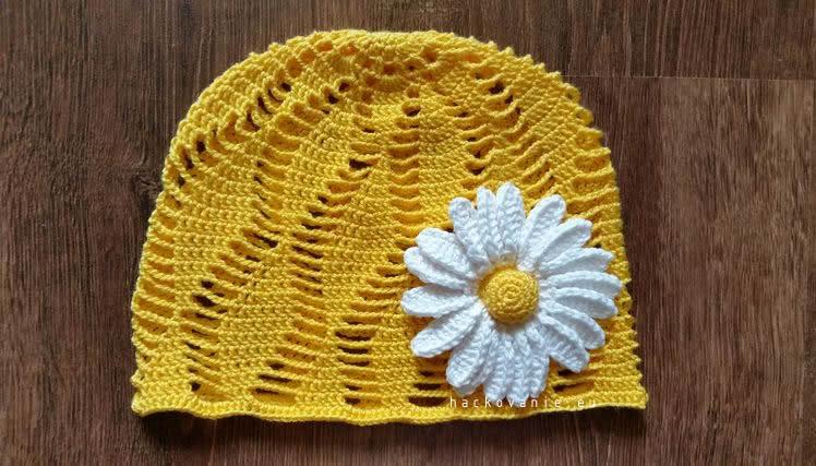 hackovana letna ciapka s kvetom