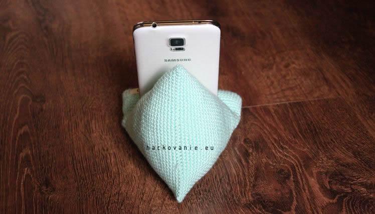 hackovany stojan na mobilny telefon