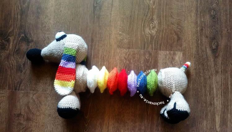 hackovana hracka pes jazvecik natahovaci